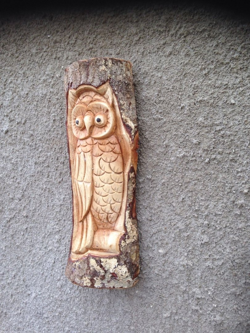 Wooden owl log carving chiselcraft