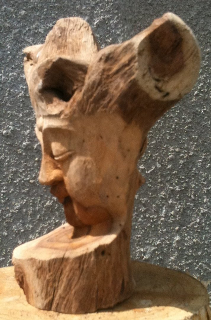 Wooden driftwood buddha carving n chiselcraft